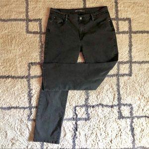 Levi's Black 505 SZ 16 Straight Leg Jeans